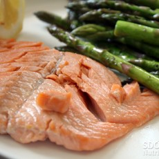 Simple and Easy Salmon Recipe with Aspargus and Potatoes